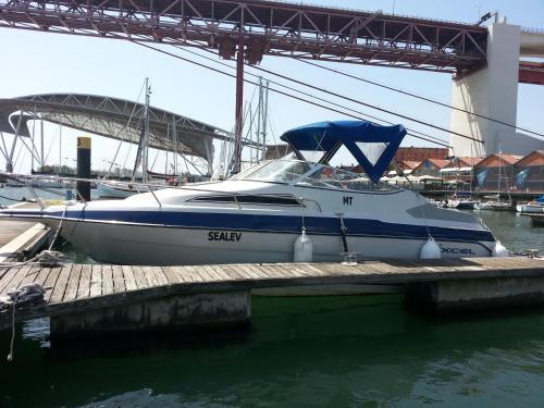 SeaLev-Boat for Sleeping