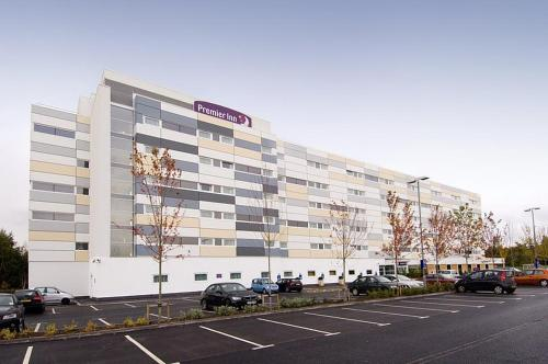 Premier Inn Manchester Airport Runger Lane South