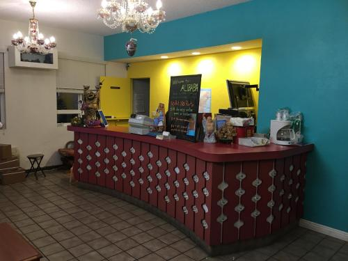 Ali Baba Motel - Costa Mesa, CA 92627