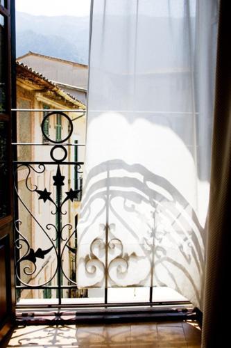 Plaça de la Constitució, 14 Sóller 07100, Majorca, Spain.