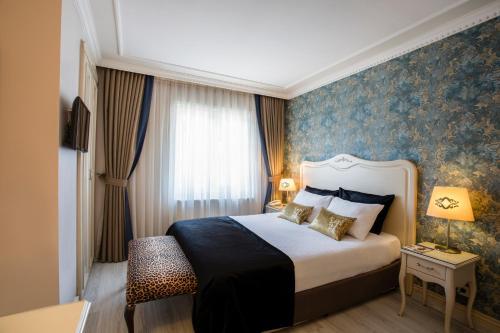 Istanbul Raymond Hotel tek gece fiyat