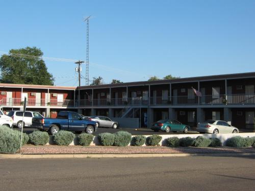 Mid-town Motel - La Junta, CO 81050