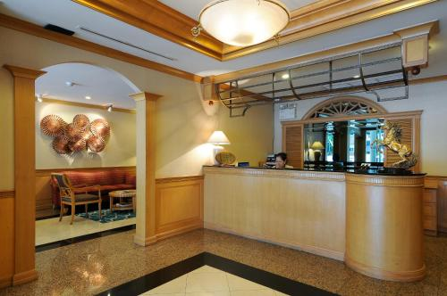 Admiral Suites Bangkok by Compass Hospitality photo 11