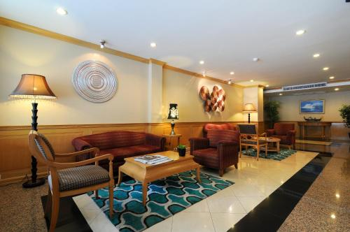 Admiral Suites Bangkok by Compass Hospitality photo 13