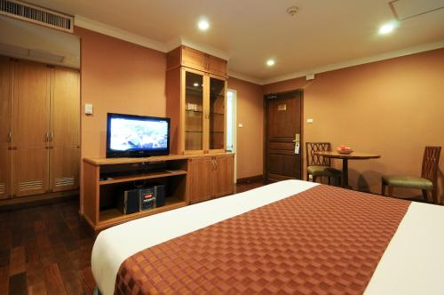 Admiral Suites Bangkok by Compass Hospitality photo 16