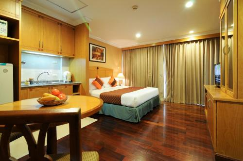 Admiral Suites Bangkok by Compass Hospitality photo 18