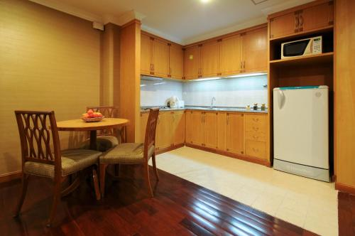 Admiral Suites Bangkok by Compass Hospitality photo 21