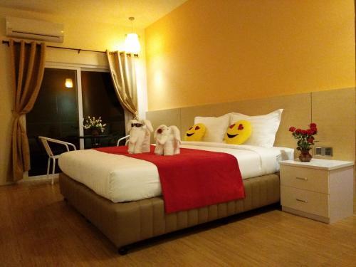 . Myint Mo Hotel