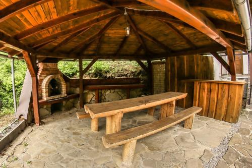Chata Alpina - Accommodation - Drienica