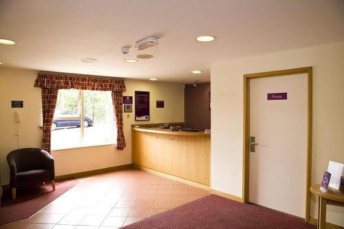 Premier Inn Watford North - Photo 5 of 22