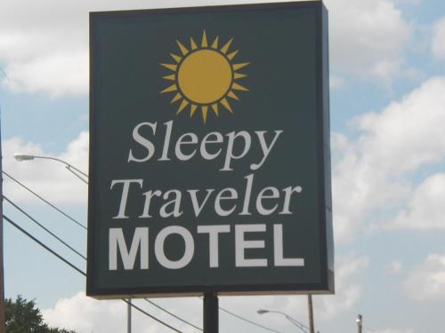 Sleepy Traveler Motel - Wagoner, OK 74467