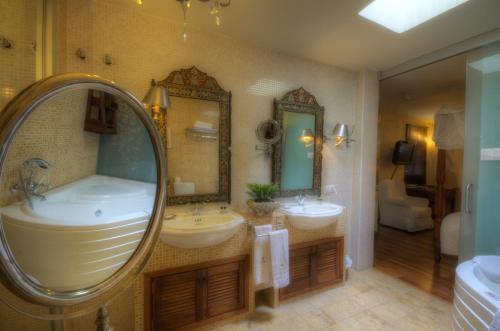 Suite Hotel Argantonio 3