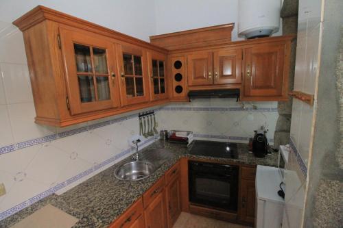Lima Apartments - Photo 4 of 20