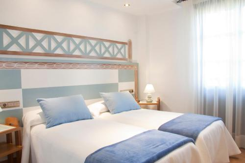 Double or Twin Room with Spa Access Posada La Torre de los Isla & Spa 24