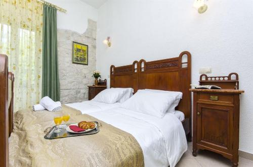 Palace Derossi room photos