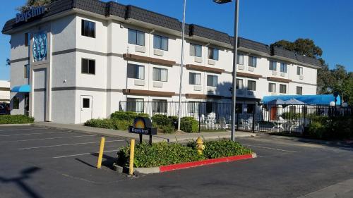 Days Inn By Wyndham Woodland - Woodland, CA 95776