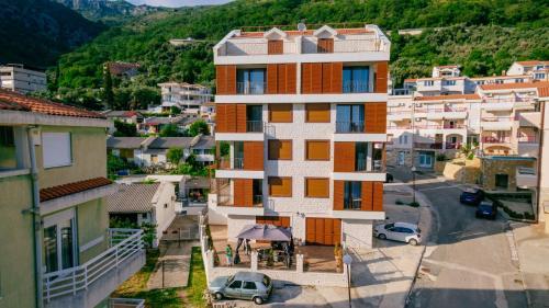 . Opium Mar Apartments