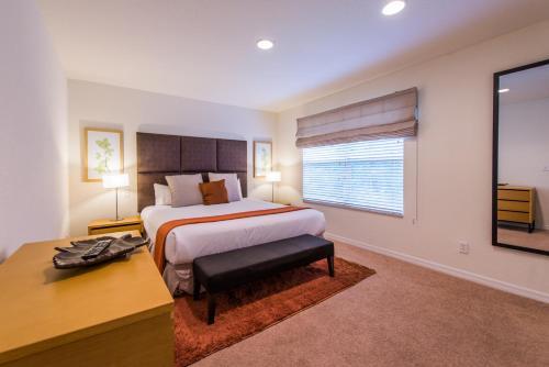 Regal Oaks Stay Orlando - Kissimmee, FL 34746