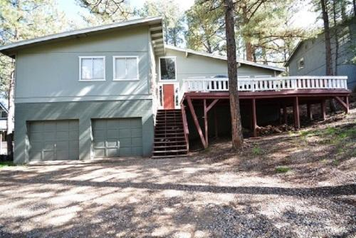 1st Wood N' Box Lodge - Three Bedroom - Ruidoso, NM 88345