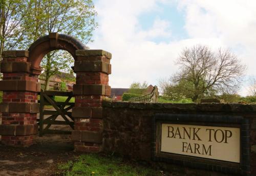 . Bank Top Farm Cottages