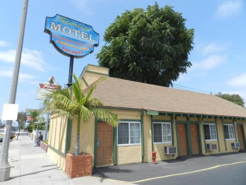 Starlite Motel - Bellflower, CA 90706