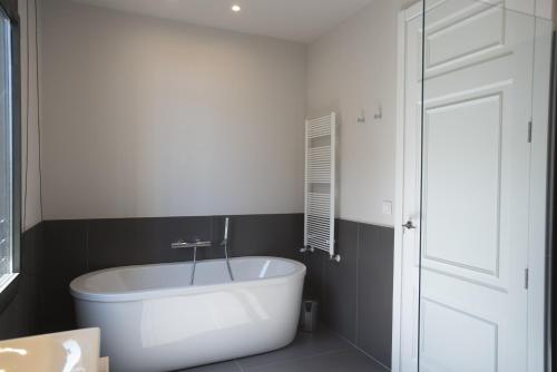 Casagrand Luxury Suites photo 17