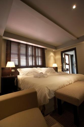 Double or Twin Room Hotel La Trufa Negra 22
