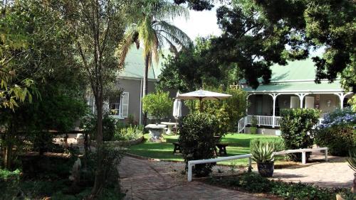 Housemartin Guest Lodge