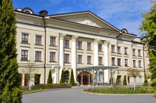 . Volzhskaya Riviera Hotel