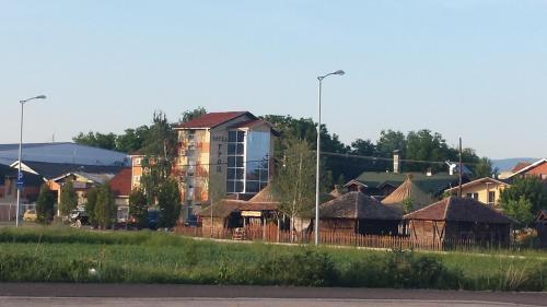 . Gros Hotel - Leskovac