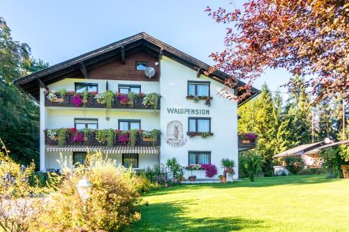 Фото отеля Waldpension Schiefling am See