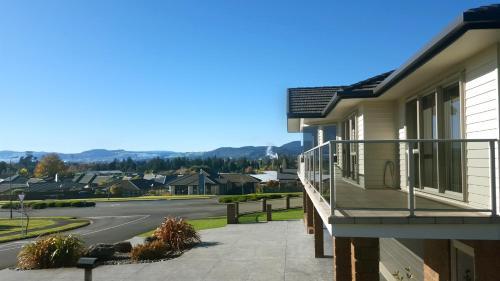 Rotorua Views B&B/Apartment - Accommodation - Rotorua