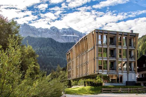 Mountain Design Hotel Eden Selva Wolkenstein-Selva Gardena