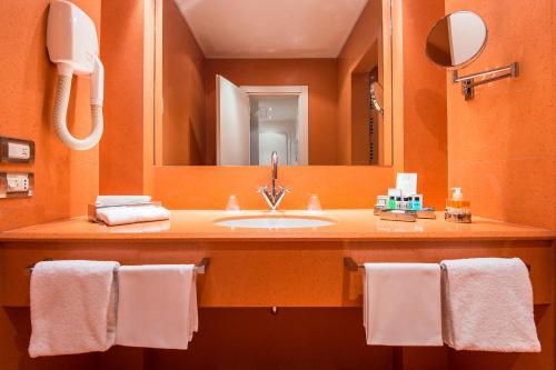 Hotel Palace Bonvecchiati Двухместный номер Делюкс с 1 кроватью или 2 отдельными кроватями и дополнительной кроватью