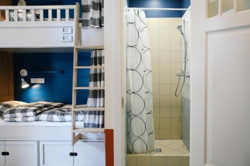 Soul Kitchen Hostel  Кровать в общем 4-местном номере для мужчин и женщин
