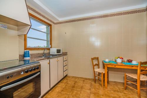 Apartament spaţios cu 2 dormitoare  (Large Two-Bedroom Apartment)