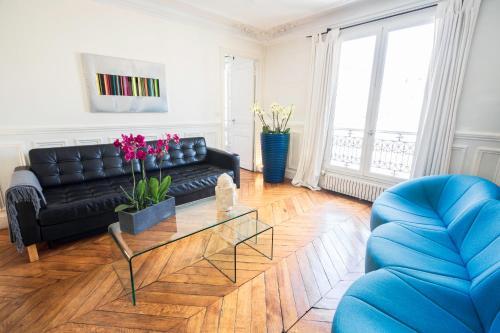 Luxury Apartment in Paris Center - Louvre Museum photo 20