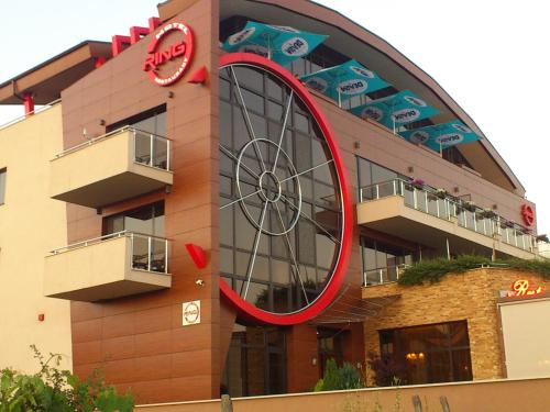 . Family Hotel - Restaurant Ring