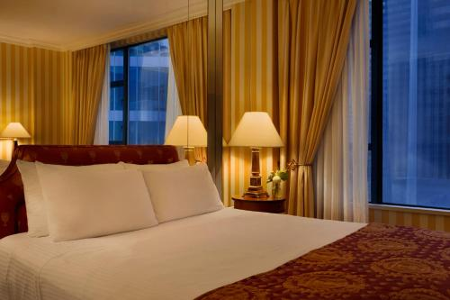 Hotel Le Soleil by Executive Hotels - Vancouver