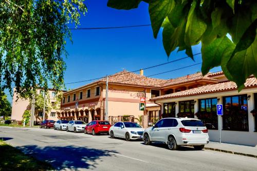 Corvin Pension and Restaurant