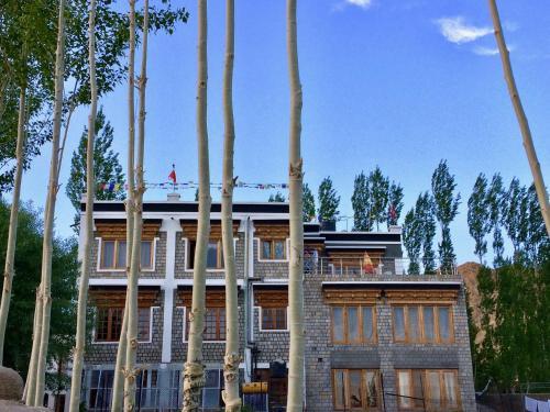 . Heschuk Guest House