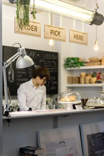 Good One Hostel & Cafe Bar photo 41
