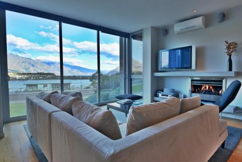 110 Frankton Road, Queenstown 9300, New Zealand.