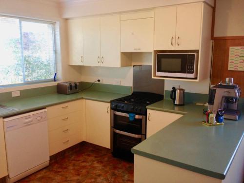 Big & Bright Guest House - Hotel - Dunedin