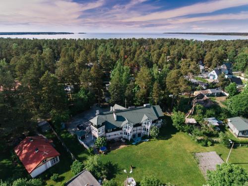 . Guest House Rannaliiv