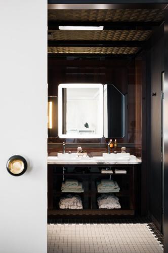 Hotel Les Bains Paris photo 20