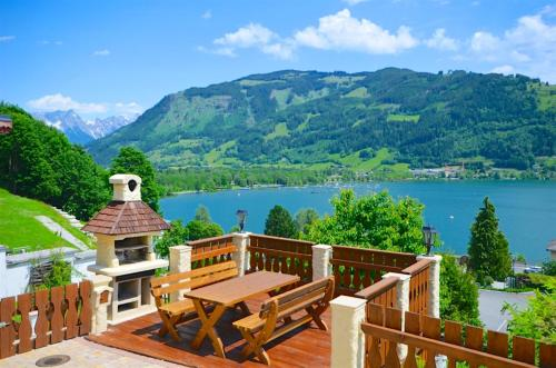 Chalet Over-The-Lake by Alpen Apartments Zell am See