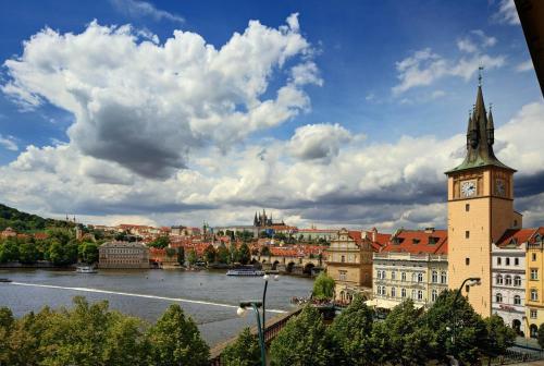 Karolíny Světlé 208/34, 110 00 Prague 1, Czech Republic.