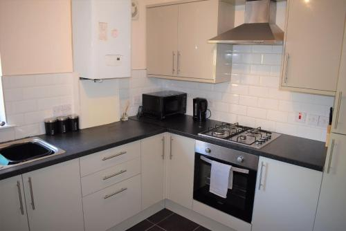 Kelpies Serviced Apartments - Cameron photo 5