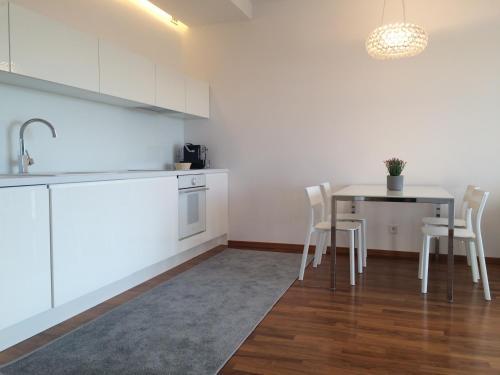 REINVEST Apartments Bandurskiego